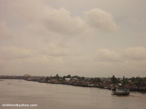 Pemandangan Sungai Kapuas