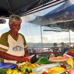 Salah seorang dari puluha penjual rujak di Pantai Natsepa