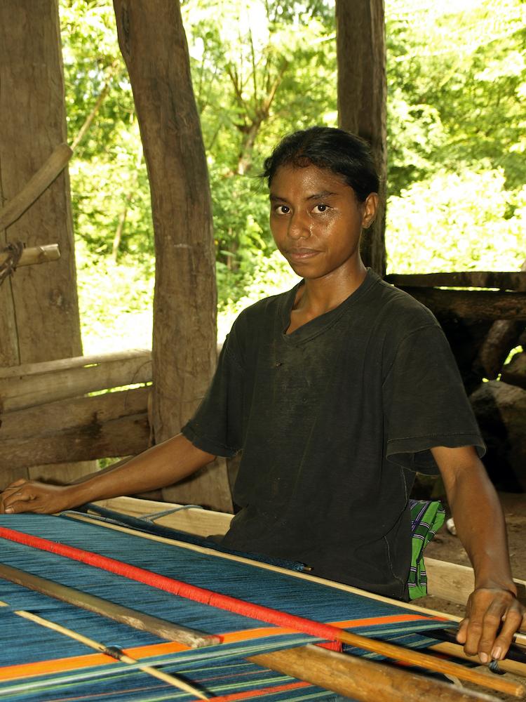 Menuju Industri Kain Tradisional Nusa Tenggara Timur